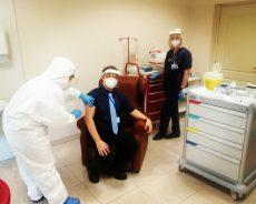 """Primi vaccini al polo geriatrico riabilitativo """"Anni Azzurri"""""""